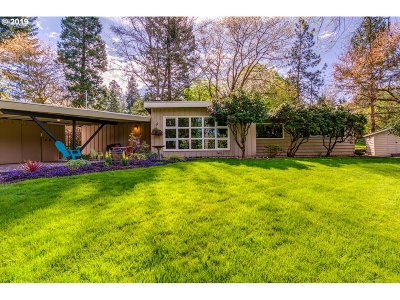 Multnomah County Single Family Home For Sale: 9455 SW 62nd Dr