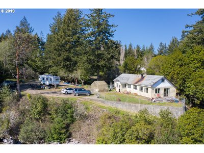 North Bend Single Family Home For Sale: 64890 East Bay Rd