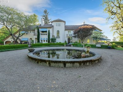 Single Family Home For Sale: 10200 SE Cambridge Ln