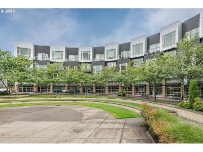 Beaverton Condo/Townhouse For Sale: 12600 SW Crescent St #217