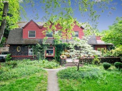 Clackamas County, Multnomah County, Washington County Multi Family Home For Sale: 2311 NE Schuyler St