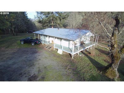 Myrtle Creek Single Family Home For Sale: 1621 1601 Clarks Branch Rd