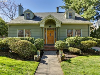 Single Family Home For Sale: 6419 SE Reed College Pl