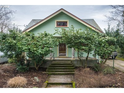 Portland Single Family Home For Sale: 4530 SE 72nd Ave