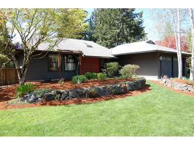 Tigard Single Family Home For Sale: 11975 SW Morning Hill Dr