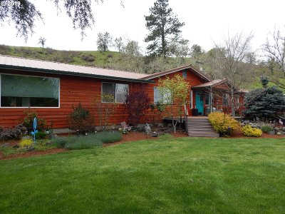 Glide Single Family Home For Sale: 12736 North Umpqua Hwy