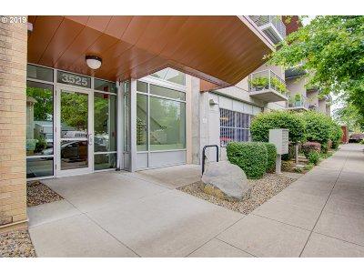 Portland Condo/Townhouse For Sale: 3525 NE 50th Ave #310