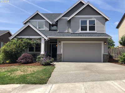 Clackamas County Single Family Home For Sale: 1495 NE Kristie Ln