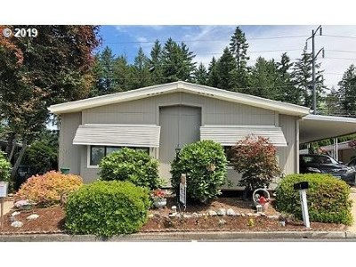 Beaverton Single Family Home For Sale: 100 SE 195th Ave #64