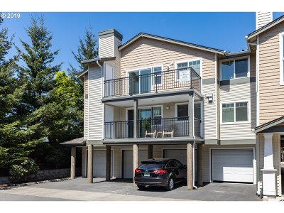 Beaverton Condo/Townhouse For Sale: 770 NW 185th Ave #302