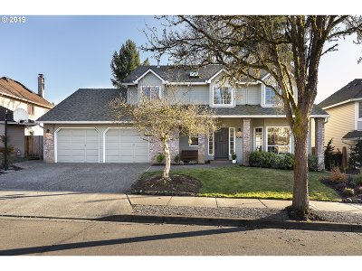 Tualatin Single Family Home For Sale: 5040 SW Greenwood Cir