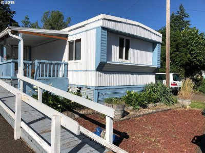 Eugene Single Family Home For Sale: 34956 Seavey Loop Rd Space #25