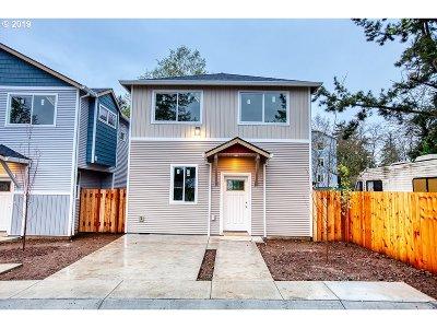 Condo/Townhouse For Sale: 12339 SE Bush St