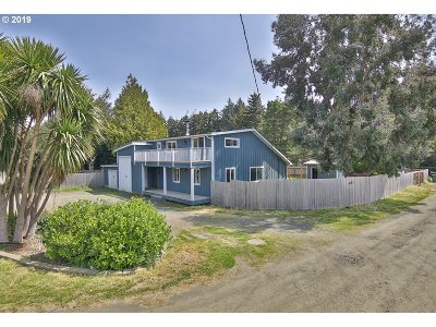 Coos Bay Single Family Home For Sale: 92606 Cape Arago Hy