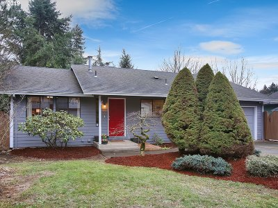 Portland Single Family Home For Sale: 13032 SE Cooper St