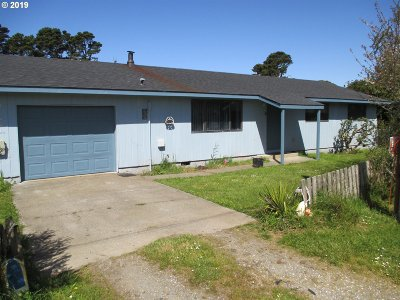 Bandon Single Family Home For Sale: 1210 Jackson Ave SW