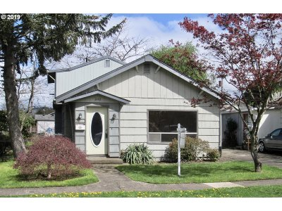 Cowlitz County Single Family Home For Sale: 3142 Garfield St