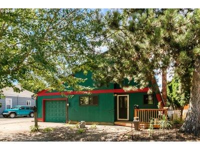 Salem Single Family Home For Sale: 555 19th St NE