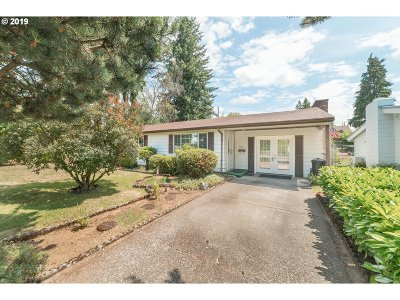 Vancouver Single Family Home For Sale: 6217 NW Firwood Dr