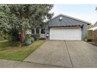 Forest Grove Single Family Home For Sale: 2826 13th Pl