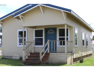 Myrtle Point Single Family Home For Sale: 1530 Doborout St
