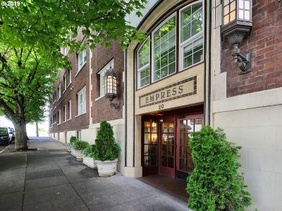 Multnomah County Condo/Townhouse For Sale: 20 NW 16th Ave #409