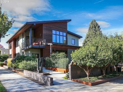 Portland Single Family Home For Sale: 7535 SE 21st Ave