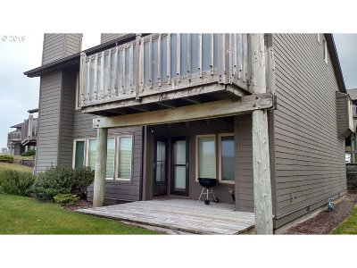 Cannon Beach Condo/Townhouse For Sale: 751 Breakers Point Condo #751