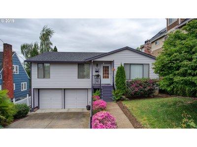 Portland Single Family Home For Sale: 7416 SE Hawthorne Blvd
