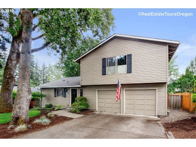 Beaverton Single Family Home For Sale: 17644 NW Dogwood Ct