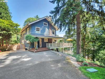 Lake Oswego Single Family Home For Sale: 13711 Fielding Rd