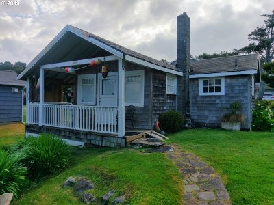 Lincoln City Single Family Home For Sale: 3426 NW Jetty Ave