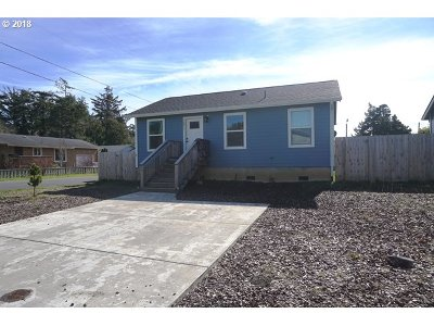 Lincoln City Single Family Home For Sale: 1271 SW 63rd St