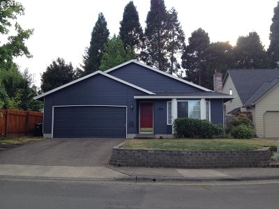Beaverton Single Family Home For Sale: 889 SW 217th Ave