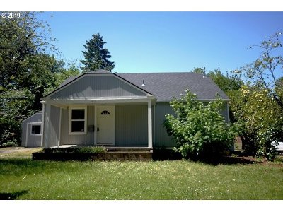Roseburg Single Family Home For Sale: 412 W Umpqua St