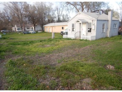 Hermiston Single Family Home For Sale: 320 NW 11th St