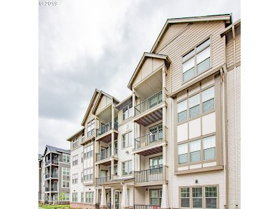 Beaverton Condo/Townhouse For Sale: 17124 SW Appledale Rd #304