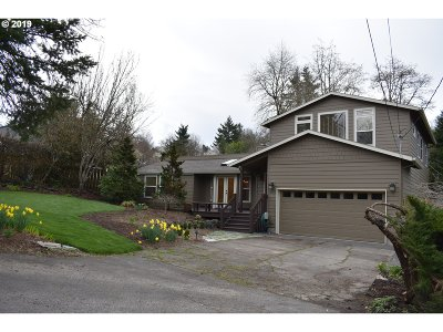 Portland Single Family Home For Sale: 9210 SW 5th Ave