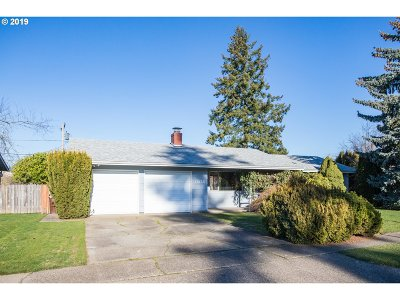 Portland Single Family Home For Sale: 13135 SW Foothill Dr