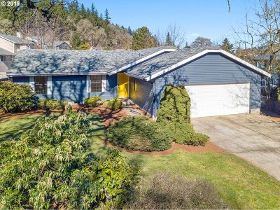 Clackamas Single Family Home For Sale: 11199 SE Mather Rd