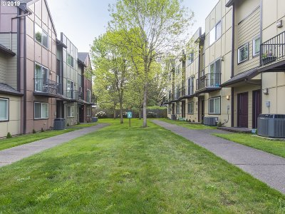 Condo/Townhouse For Sale: 2912 SW Tranquility Ter