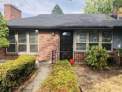 Portland Single Family Home For Sale: 4306 SE 99th Ave