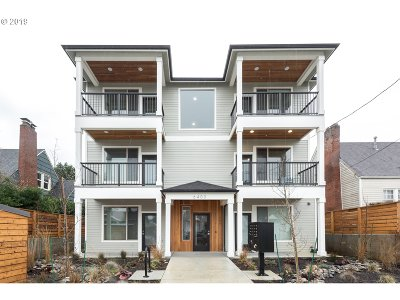 Multnomah County Condo/Townhouse For Sale: 6400 N Montana Ave #C