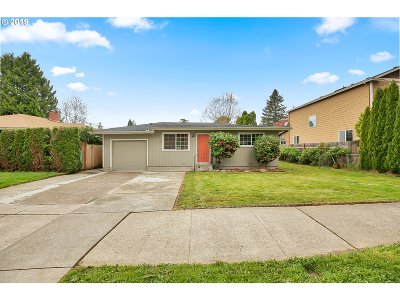 Single Family Home For Sale: 549 SE 135th Ave