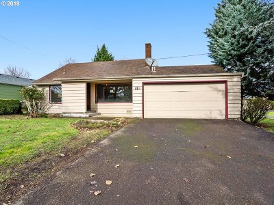 Oregon City Single Family Home For Sale: 151 Warner Parrott Rd