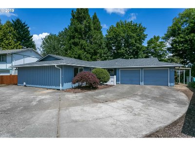 Tualatin Single Family Home For Sale: 8765 SW Nisqually Ct