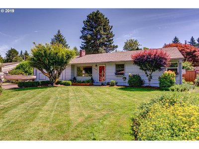 Mcminnville Single Family Home For Sale: 348 NW Wallace Way