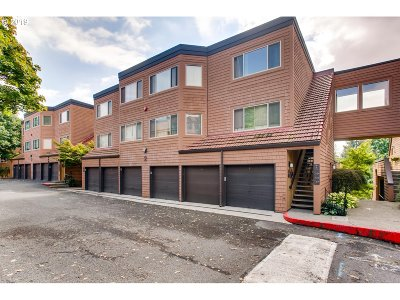 Lake Oswego Condo/Townhouse For Sale: 9 Oswego Smt