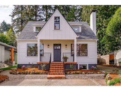 Lake Oswego Single Family Home For Sale: 272 Greenwood Rd