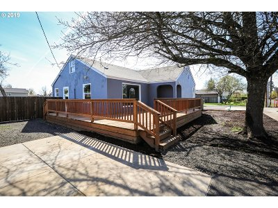 Springfield Single Family Home For Sale: 1375 S St